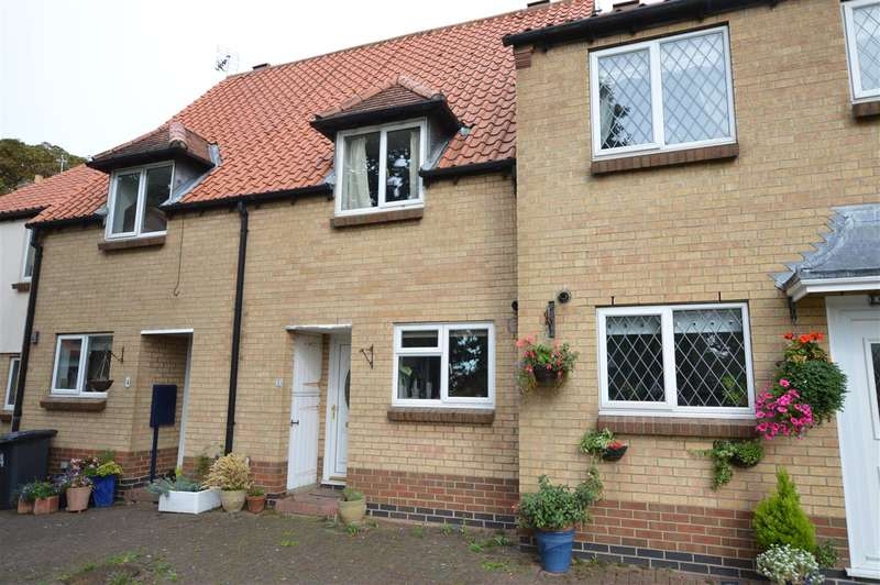 2 Bedrooms Terraced House for sale in The Paddock, Sleaford