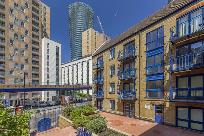 1 Bedroom Flat for sale in Peninsula Court, E14