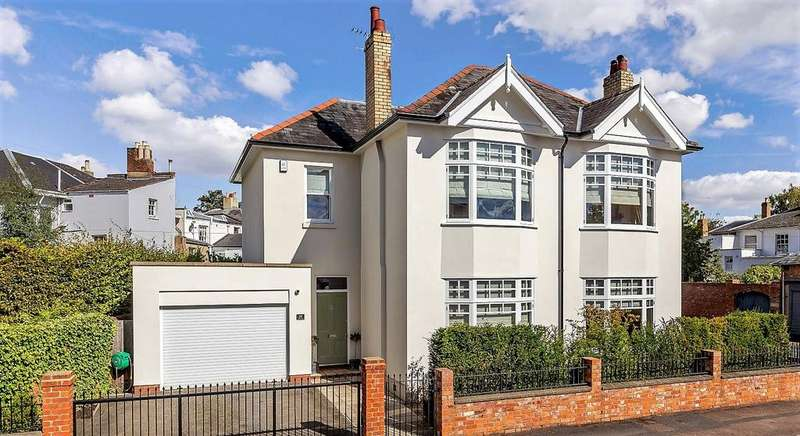 4 Bedrooms Detached House for sale in Andover Road, Cheltenham, Gloucestershire, GL50