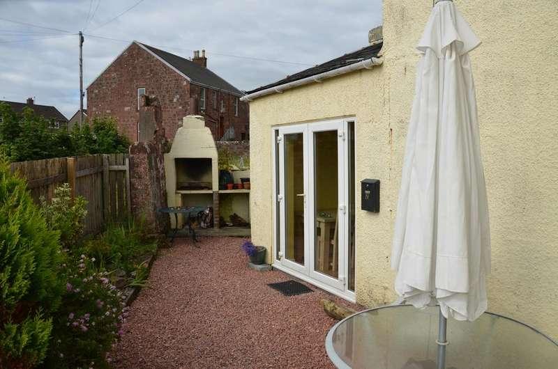 2 Bedrooms Ground Flat for sale in 2 Ninian Street, Isle of Cumbrae, KA28 0EB