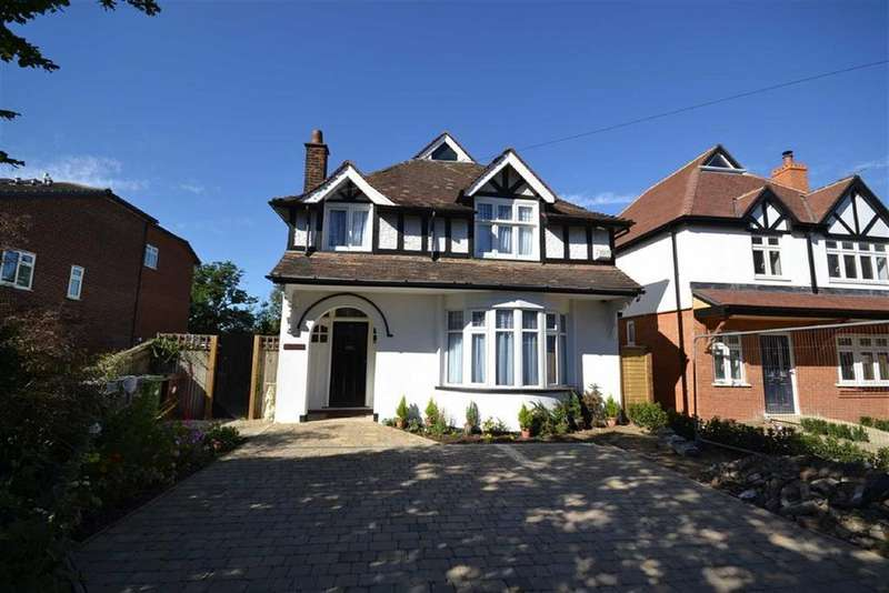 4 Bedrooms Detached House for sale in Mildred Avenue, Borehamwood, Hertfordshire