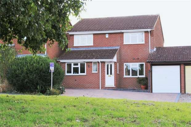 4 Bedrooms Detached House for sale in Edward Road, Fleckney, Leicester