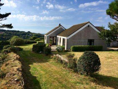 4 Bedrooms Bungalow for sale in Wheal Kitty, Cornwall