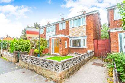 3 Bedrooms Semi Detached House for sale in The Avenue, Leigh, Wigan, Greater Manchester