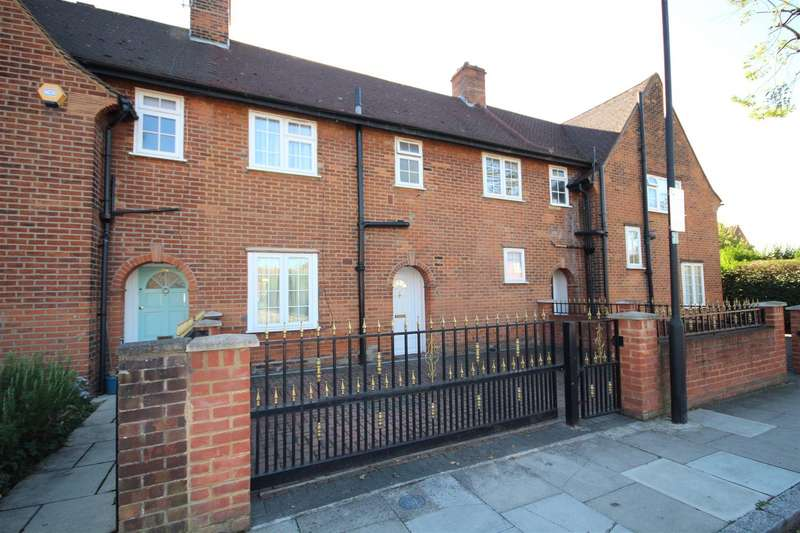 3 Bedrooms House for sale in Hemlock Road, London
