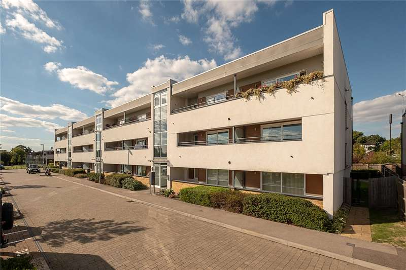 3 Bedrooms Flat for sale in Briers House, Meadowview Road, London, SW20