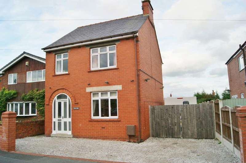 3 Bedrooms Detached House for sale in Oak Road, Ponciau