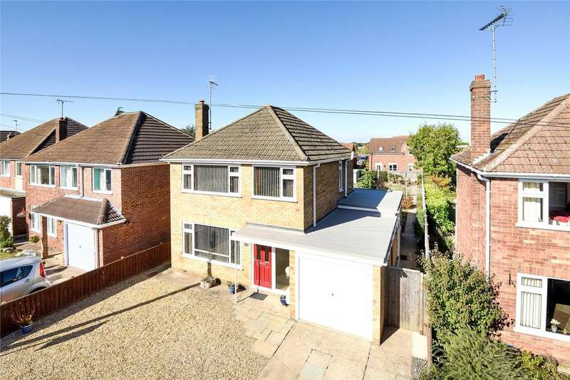 3 Bedrooms Detached House for sale in Sherwood Drive, Spalding, PE11