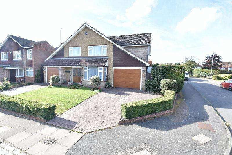 4 Bedrooms Detached House for sale in Holmfield Close, Luton