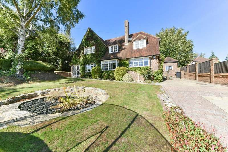 5 Bedrooms Detached House for sale in Starrock Road, Coulsdon, CR5