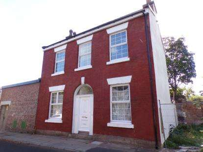 4 Bedrooms Detached House for sale in The Elms, Dingle, Liverpool, Merseyside, L8