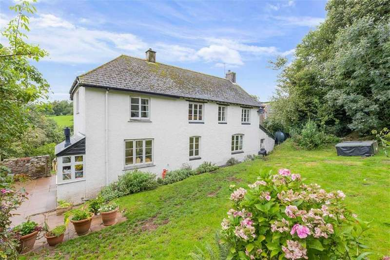 3 Bedrooms Detached House for sale in The Village, North Huish, Devon, TQ10