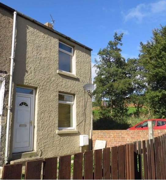 2 Bedrooms Property for sale in Ravenside Terrace, Chopwell, Newcastle upon Tyne, Co. Durham , NE17 7LE