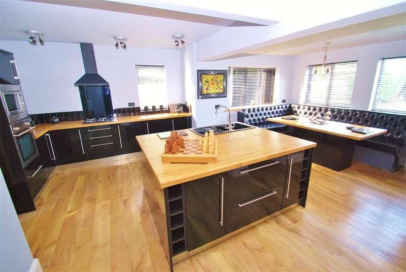 3 Bedrooms Detached House for sale in Aylmer Avenue, Skegness, Skegness