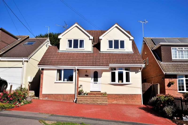 4 Bedrooms Detached House for sale in Prince Edward Road, Billericay