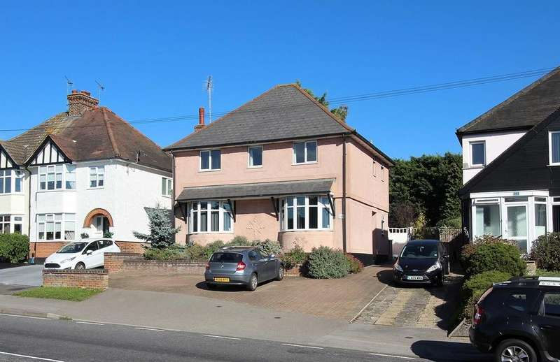 4 Bedrooms Detached House for sale in Galleywood Road, Chelmsford, Essex, CM2