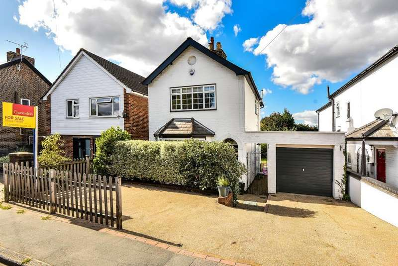 3 Bedrooms Detached House for sale in Lent Rise Road, Maidenhead, SL1
