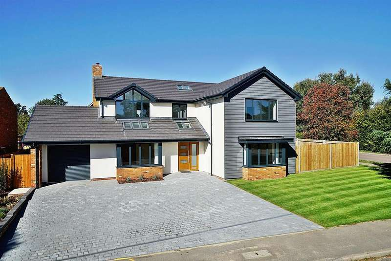 5 Bedrooms Detached House for sale in Netherfield Road, Harpenden