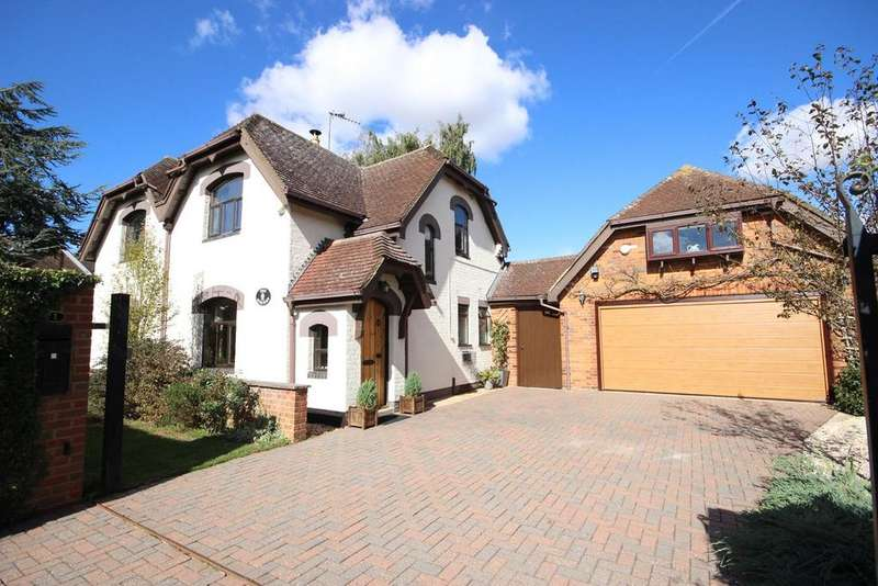 4 Bedrooms Detached House for sale in Great Bramingham Lane, Streatley, LU3