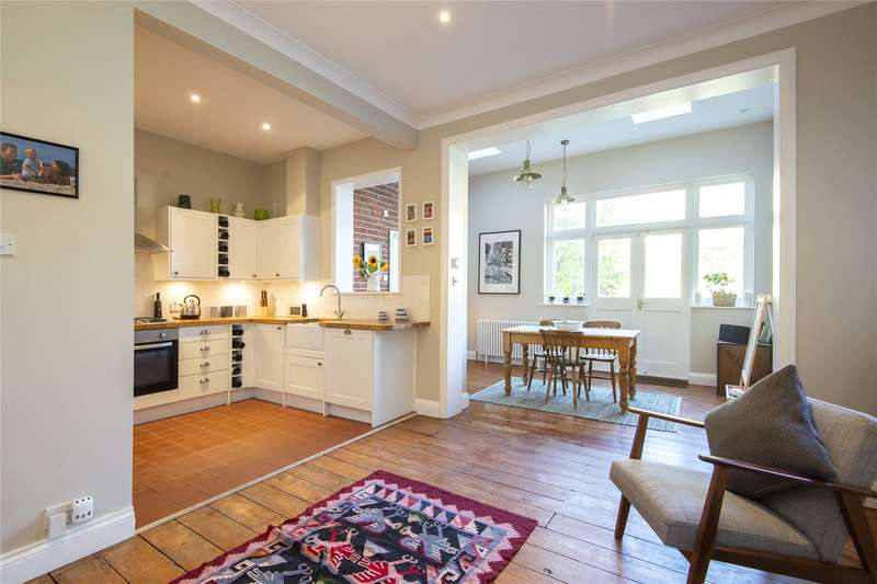 4 Bedrooms Terraced House for sale in Casimir Road, London, E5
