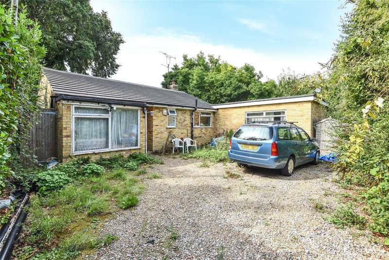 2 Bedrooms Detached Bungalow for sale in Glebelands Road, Wokingham, Berkshire, RG40