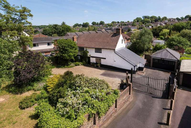 4 Bedrooms Detached House for sale in Princes Avenue, Walderslade, ME5