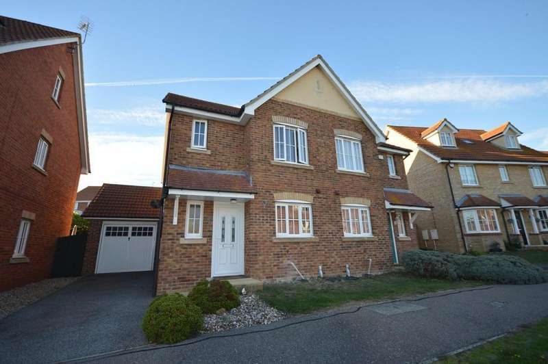 3 Bedrooms Semi Detached House for sale in Gravel Hill Way, Dovercourt, Harwich
