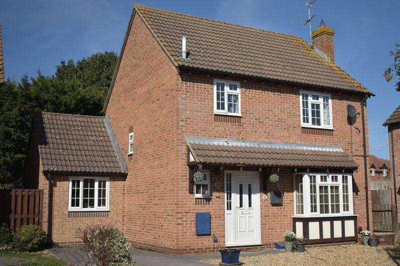 3 Bedrooms Detached House for sale in Hurford Drive, Thatcham