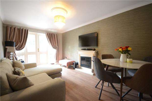3 Bedrooms Apartment Flat for sale in Park View, Reading, Berkshire