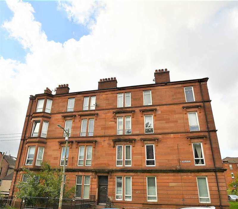 3 Bedrooms Flat for sale in Onslow Square, Dennistoun, G31
