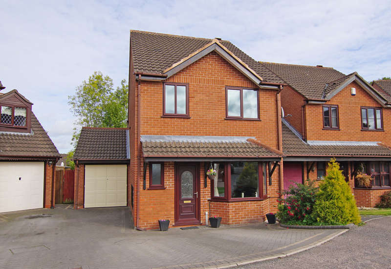 4 Bedrooms Semi Detached House for sale in Dellow Grove, Alvechurch, B48 7NR