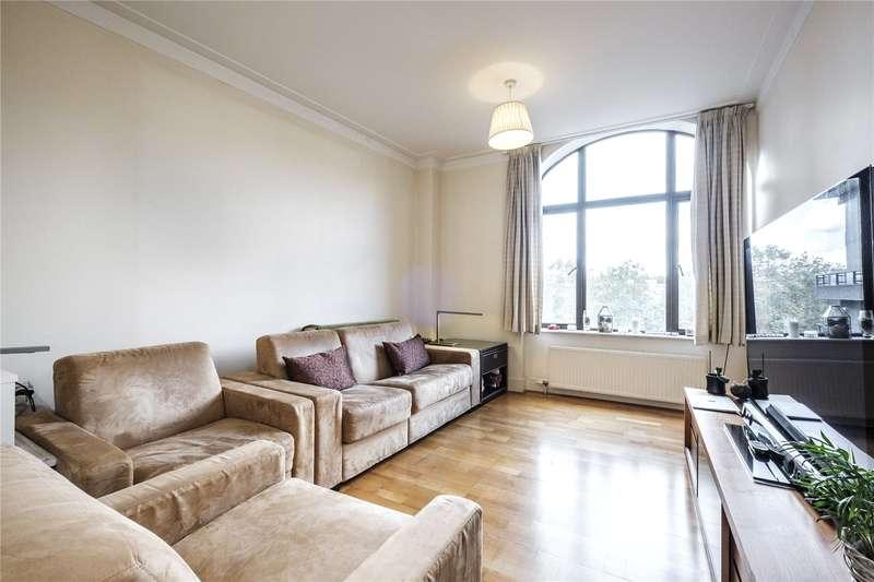 2 Bedrooms Flat for sale in Bridgewater Square, London, EC2Y