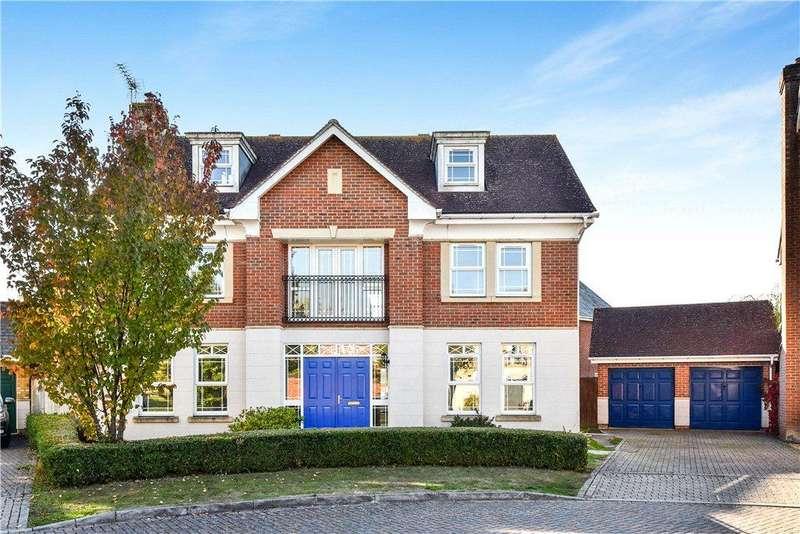 5 Bedrooms Detached House for sale in Crofters Close, Deepcut, Camberley, Surrey, GU16