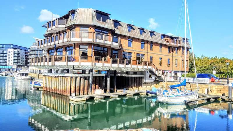 3 Bedrooms Apartment Flat for rent in Channel Way,Ocean Village, Southampton, SO14