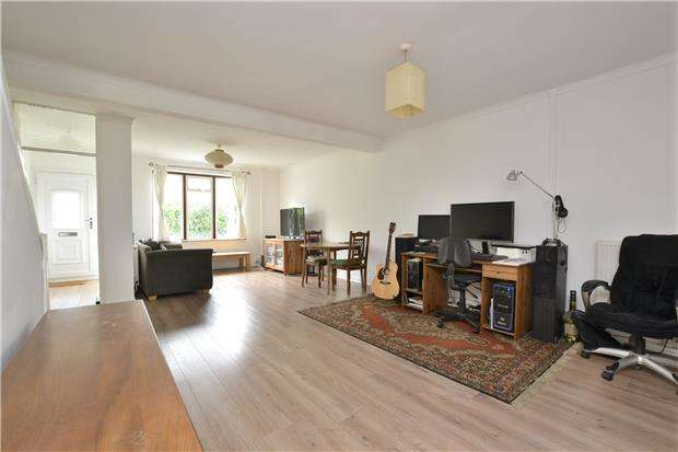 3 Bedrooms Terraced House for sale in Wood Street, BRISTOL, BS5 6JA
