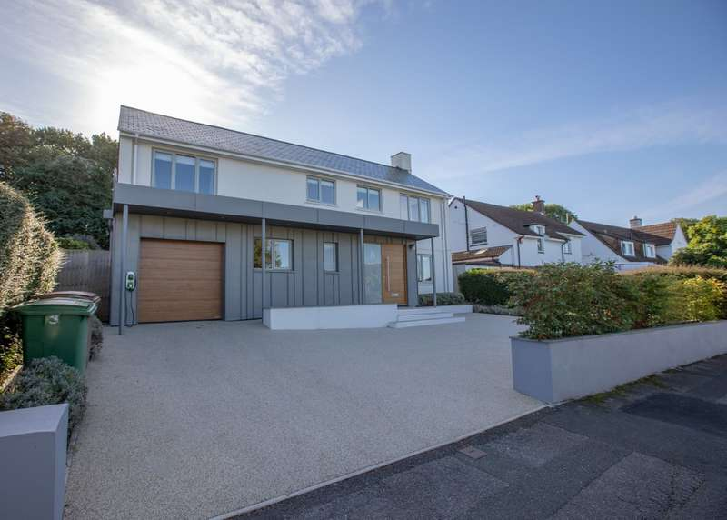 4 Bedrooms Detached House for sale in Roborough, Plymouth