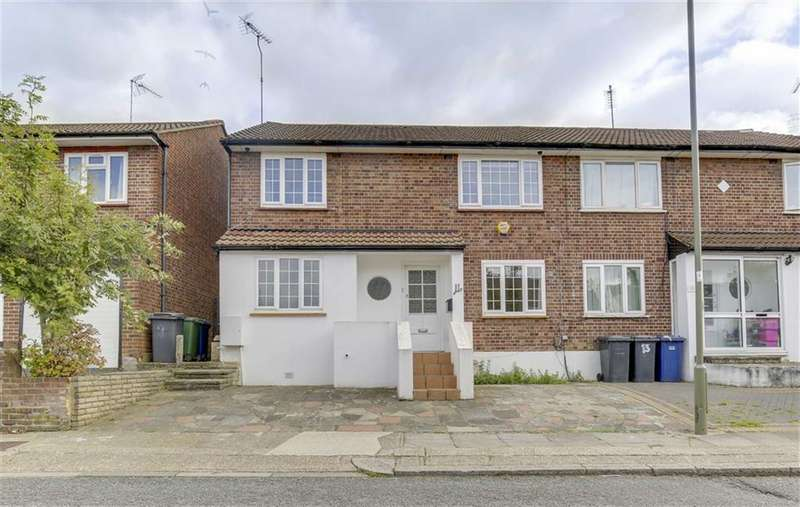 4 Bedrooms Semi Detached House for sale in Howcroft Crescent, West Finchley, London, N3