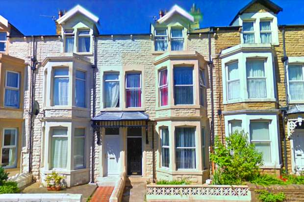 6 Bedrooms Terraced House for sale in Cedar Street, Morecambe, Lancashire, LA4 4DS