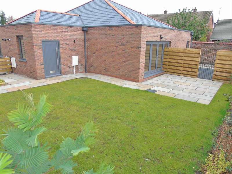 2 Bedrooms Semi Detached Bungalow for sale in New Hall, Clocktower Park, Liverpool
