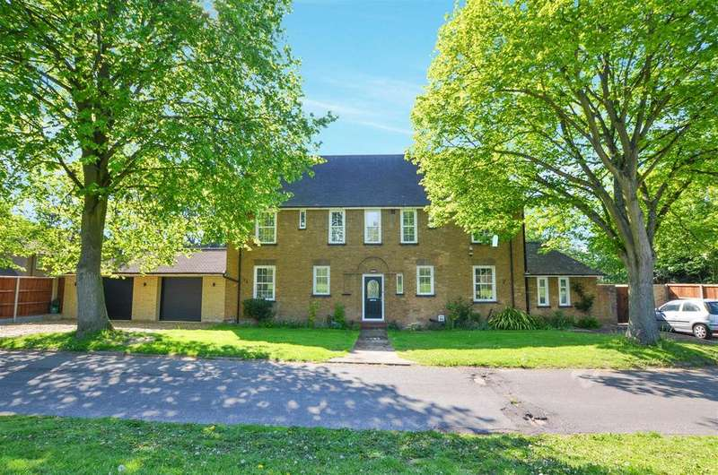 5 Bedrooms Detached House for sale in Dowding Road, Norwich