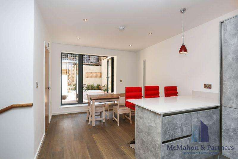 4 Bedrooms House for sale in House 1A Comet Street