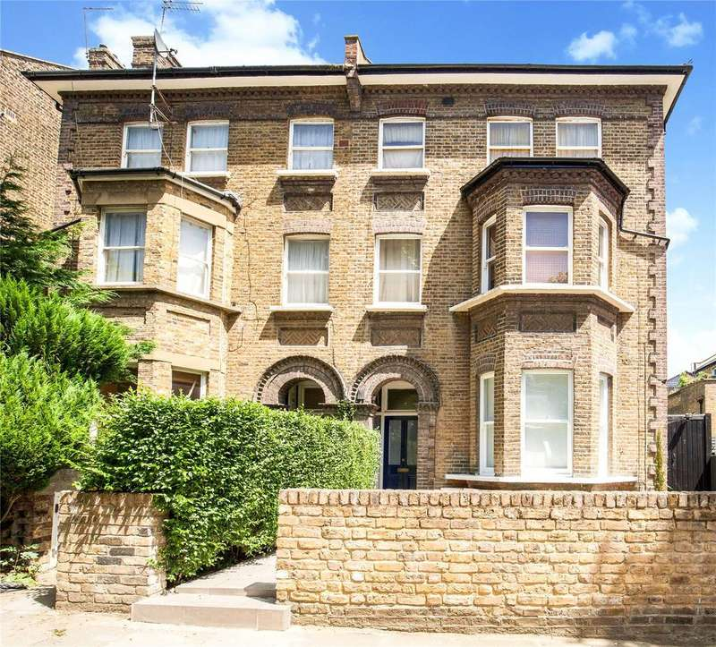 3 Bedrooms Flat for sale in Fordwych Road, West Hampstead, London, NW2