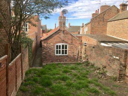 2 Bedrooms Bungalow for sale in Eastgate, Louth, Lincolnshire