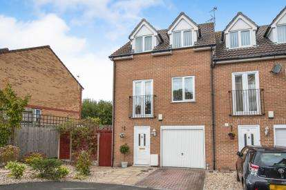 4 Bedrooms Terraced House for sale in The Elms, Staple Hill, Bristol, Gloucestershire