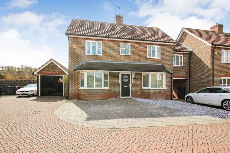 3 Bedrooms Link Detached House for sale in Gardeners Close, Maulden, Bedfordshire, MK45