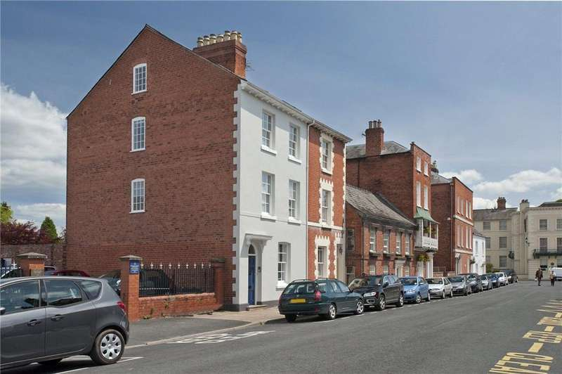 4 Bedrooms Semi Detached House for sale in Castle Street, Hereford, HR1