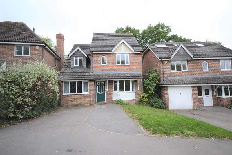 3 Bedrooms Detached House for sale in Woodcock Court, Reading