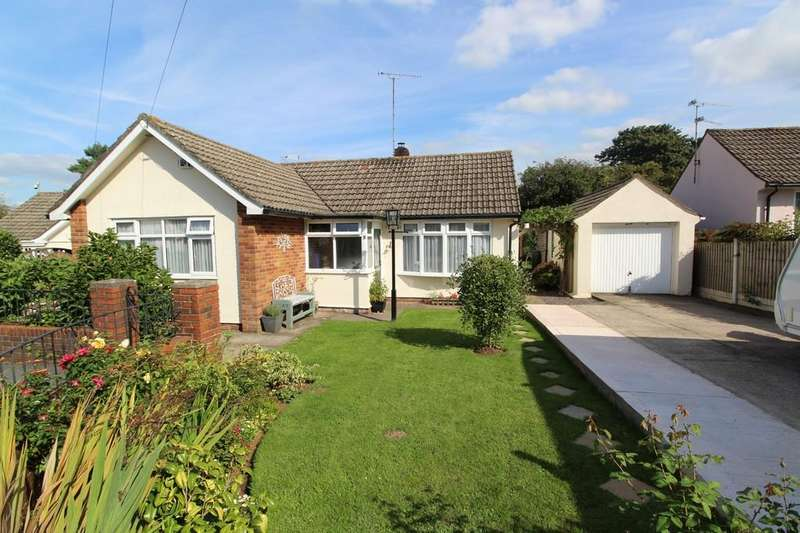 2 Bedrooms Detached Bungalow for sale in Coombe Dale, Backwell