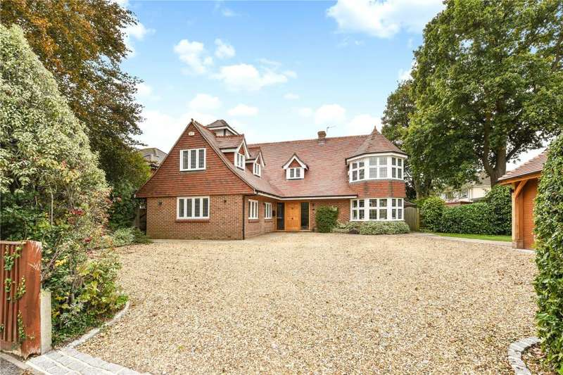 5 Bedrooms Detached House for sale in Southleigh Road, Denvilles, Havant, Hampshire, PO9