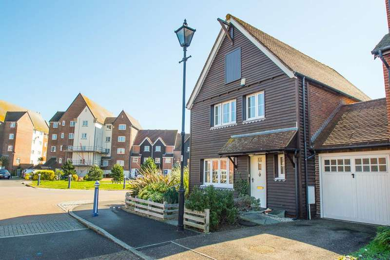 3 Bedrooms Detached House for sale in Madeira Way, Eastbourne